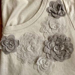 LOFT Floral appliqué t-shirt